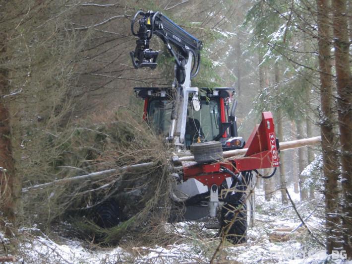 Машини за дърводобив HYPRO 755 НB с колесар и кран 7,5 м 3